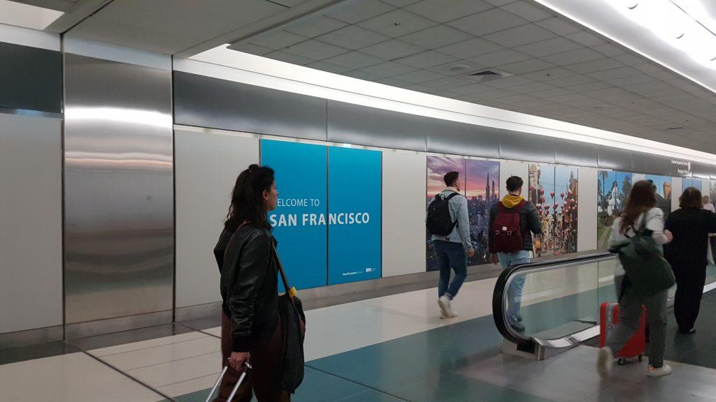 Arrivée à l'aéroport de San Francisco, juste avant la douane.