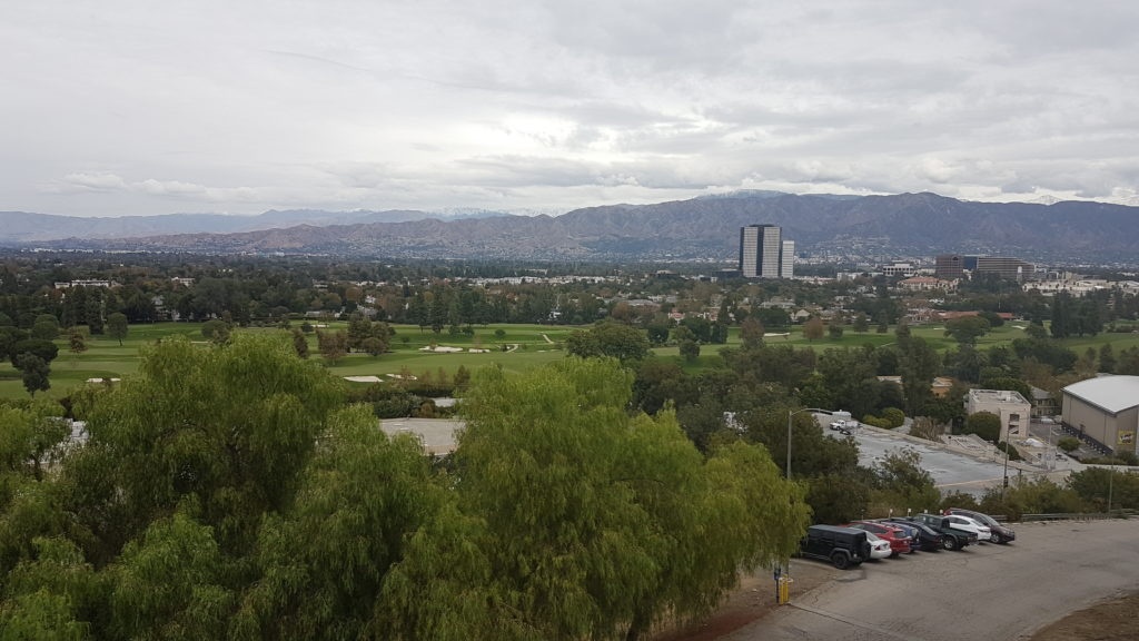 vue sur les montagnes depuis universal studio