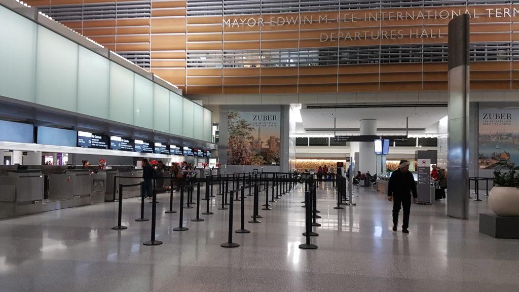 dépose bagage à l'aéroport de San Francisco