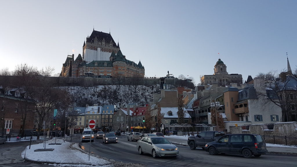 château Frontenac qui surpolmbe le petit Champlain