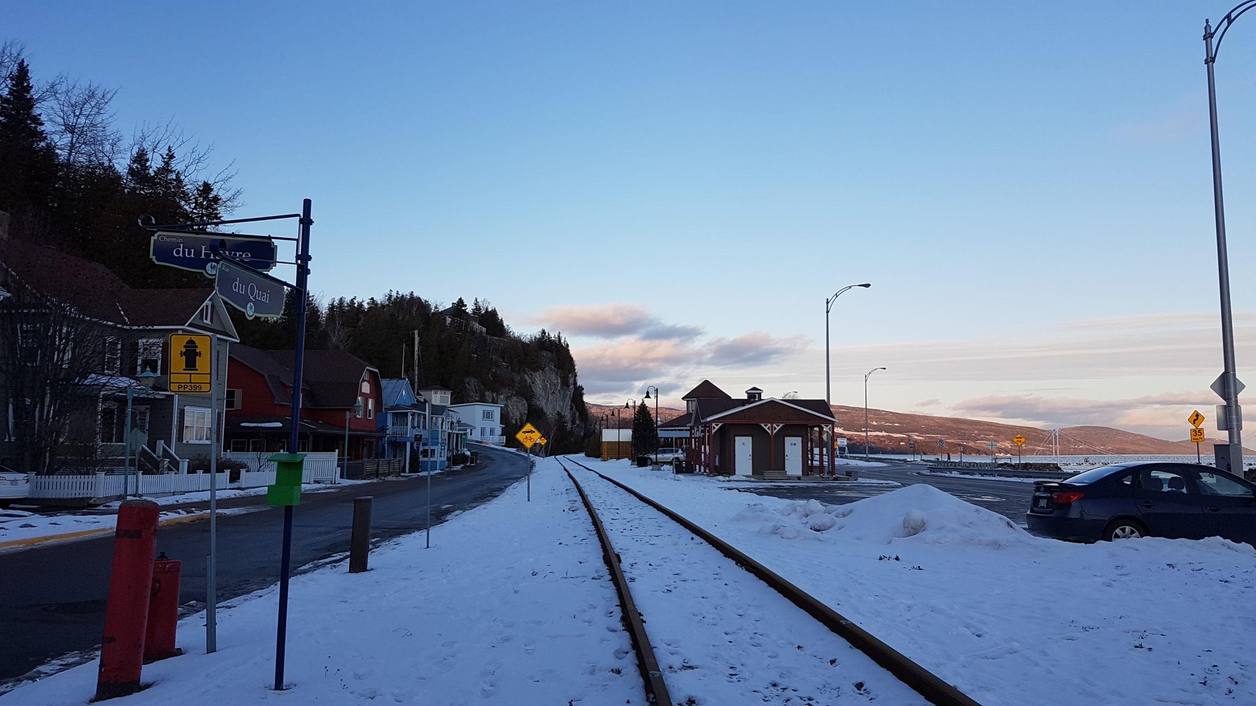 chemin de fer le long du St Laurent
