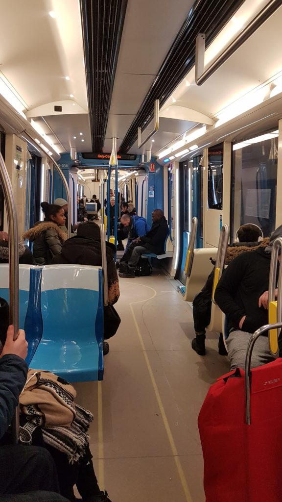 intérieur métro Montréal