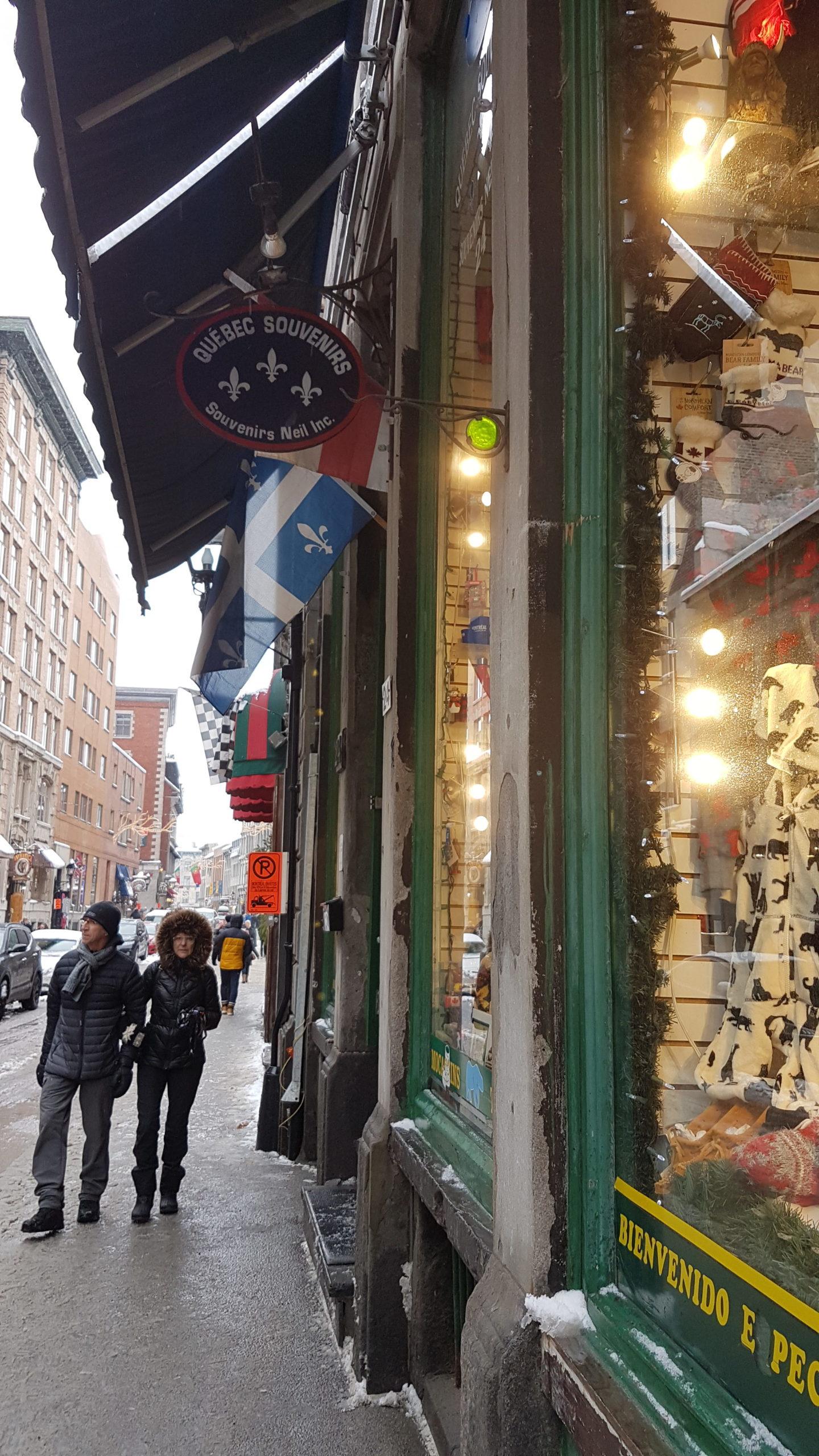 Coin très agréable avec de jolis boutiques et des resto qui ont l'air sympa comme tout !