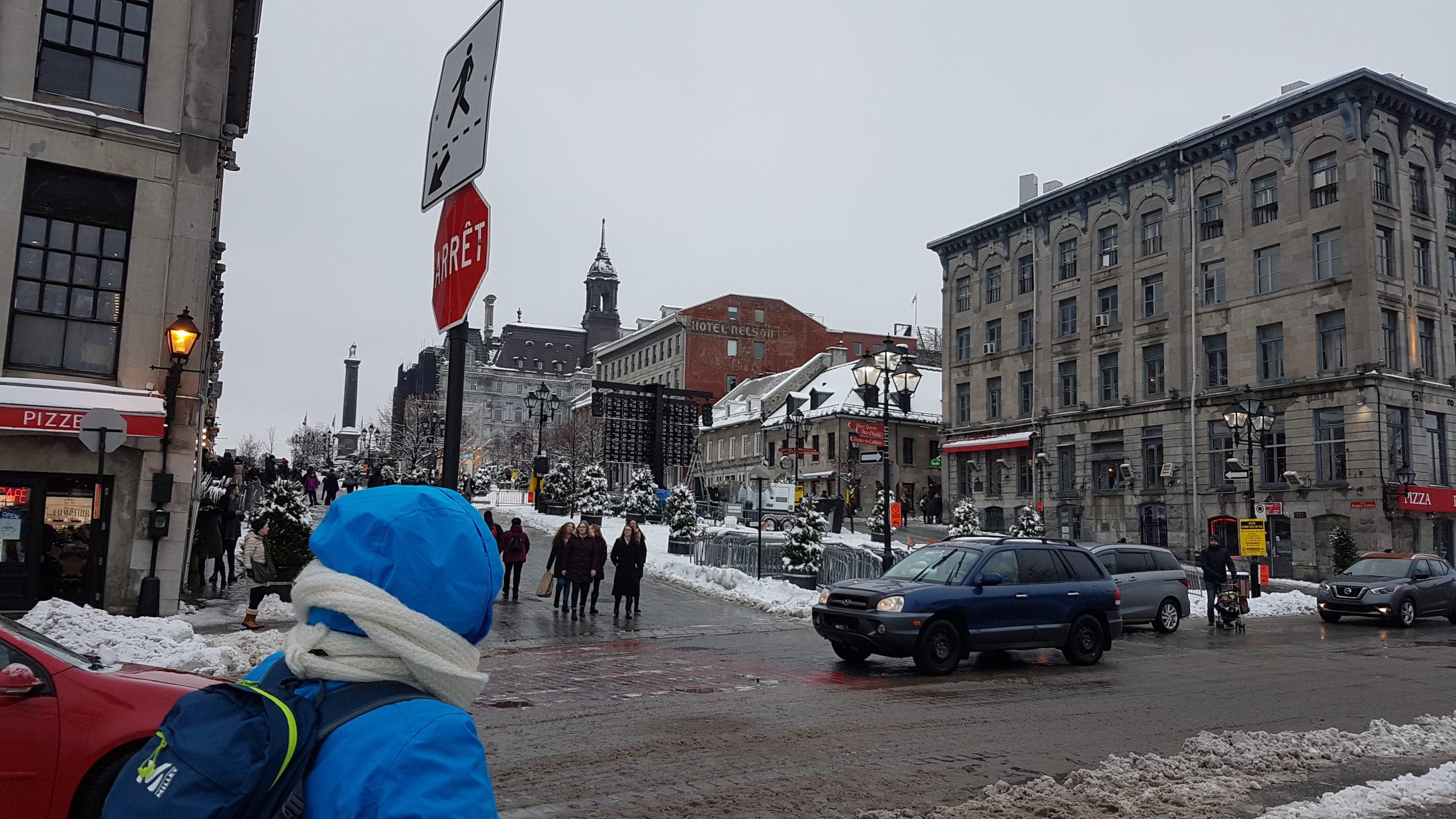 Toujours en chemin vers le Vieux port de Montréal.
