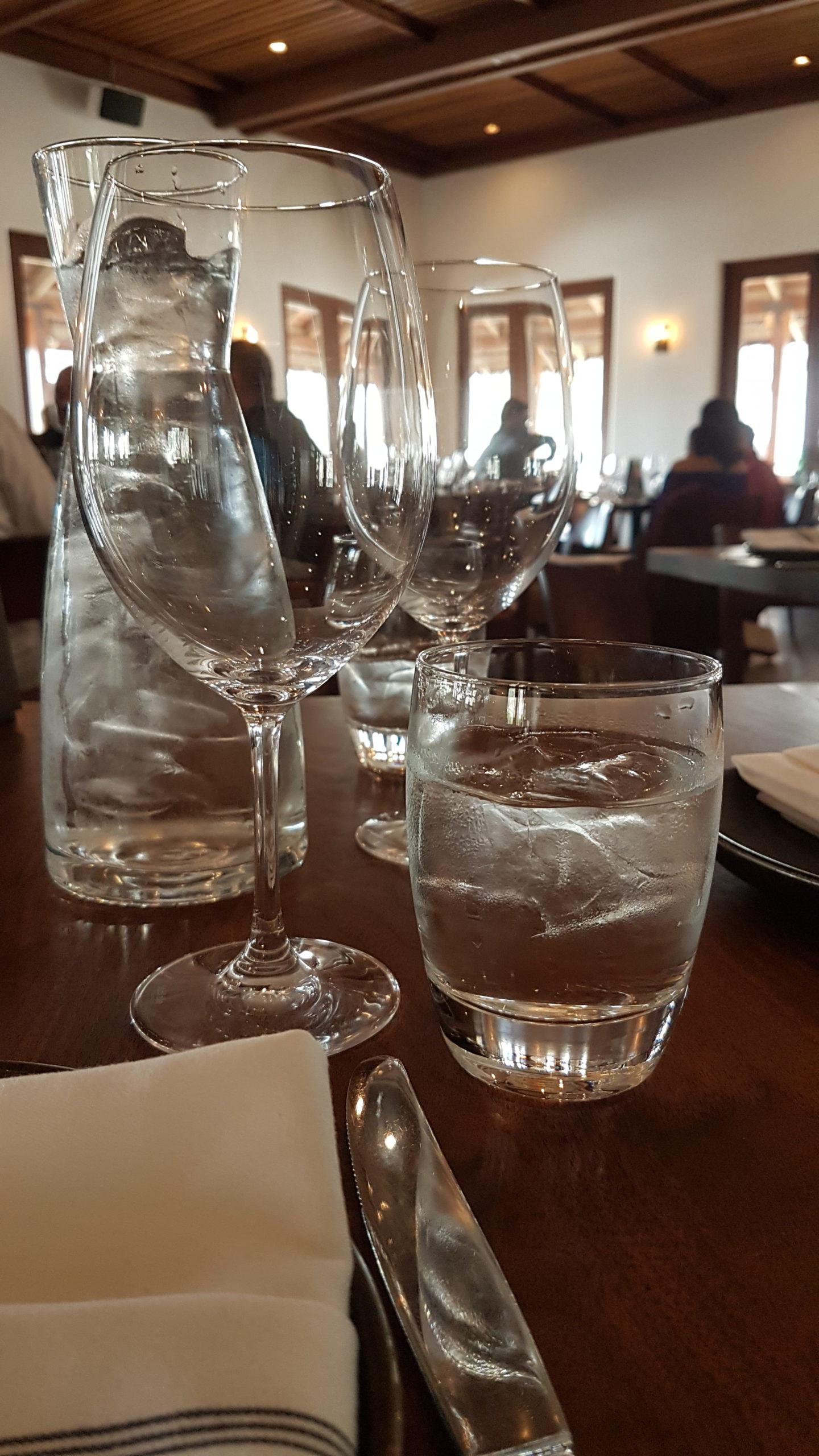 Wente winery Livermore Californie Comme très souvent ici il y a beaucoup de glaçons dans l'eau.