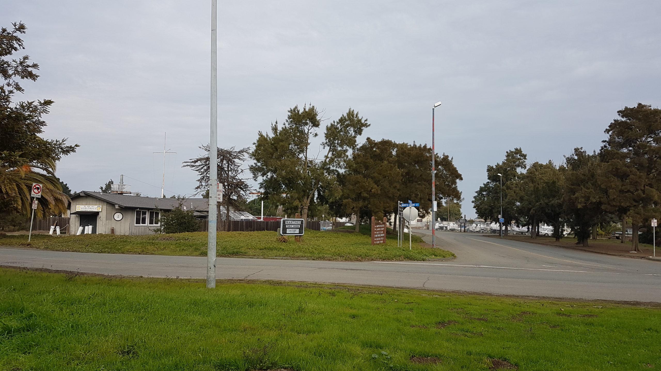 Parking shoreline martinez californie
