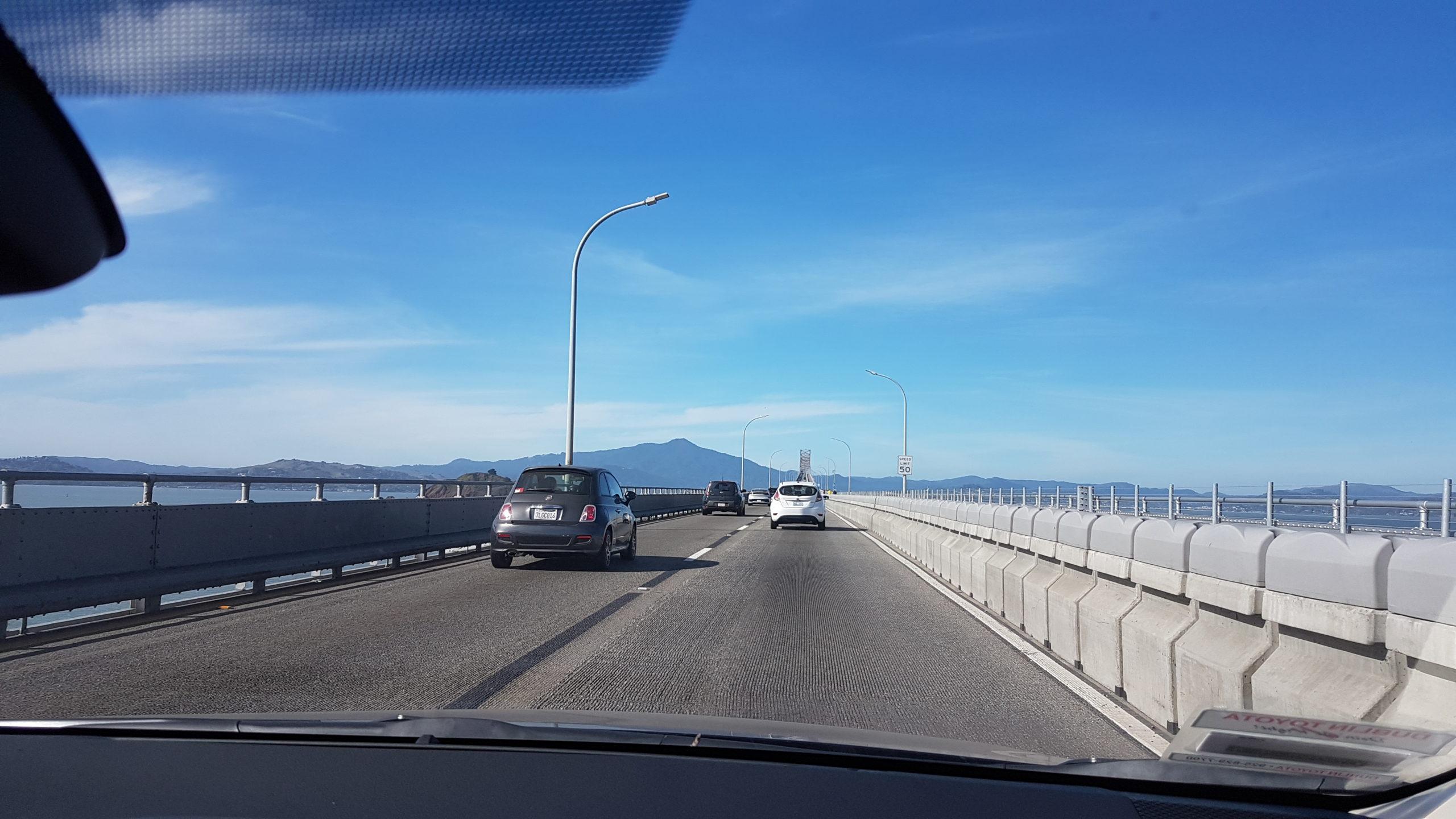 Le pont...seulement deux voies 😲😂. Il y en a 3 dans l'autre sens....