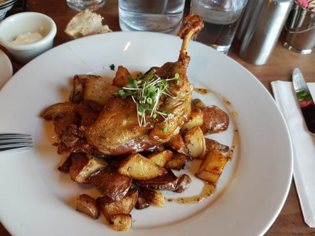 Cuisse de canard confite, sauce au sirop d érable 😍.