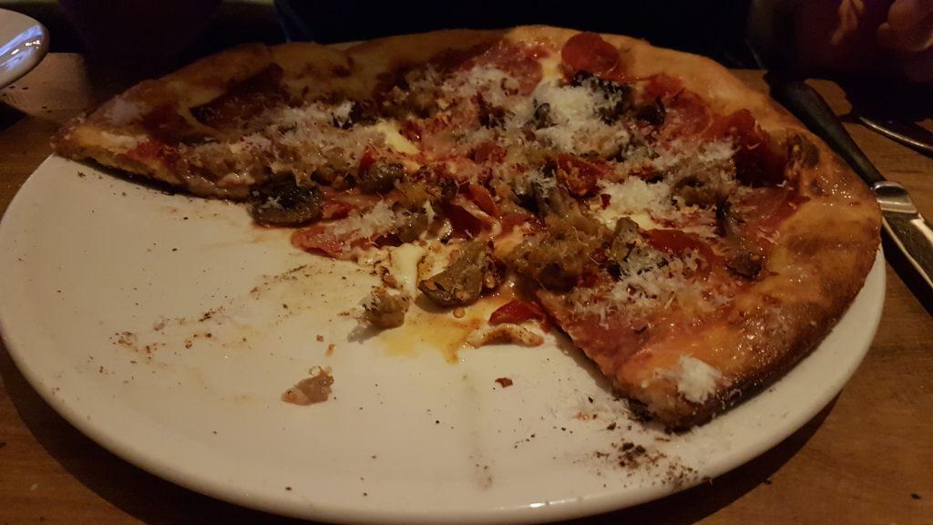 pizza au restaurant tavern market