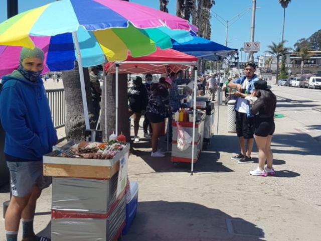 Les vendeurs ambulants à Santa Cruz