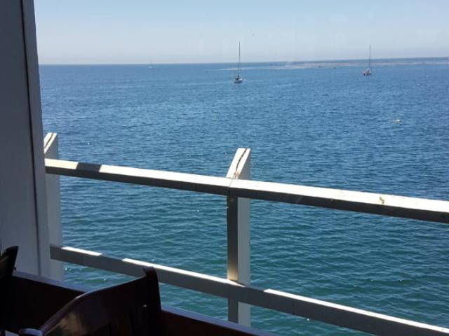 Notre restaurant, avec vue sur l'océan 😍.