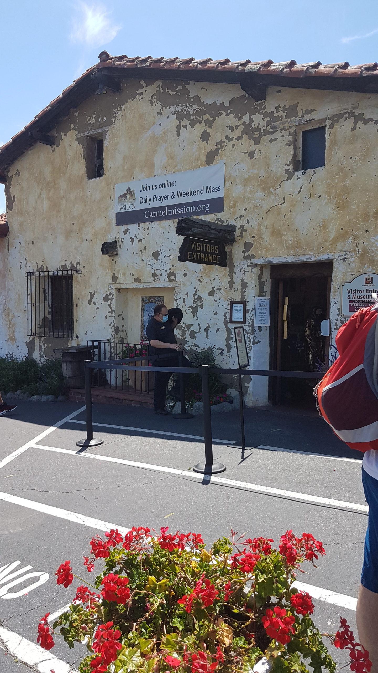 Entrée de la boutique du musée, les visiteurs sont comptés (covid).