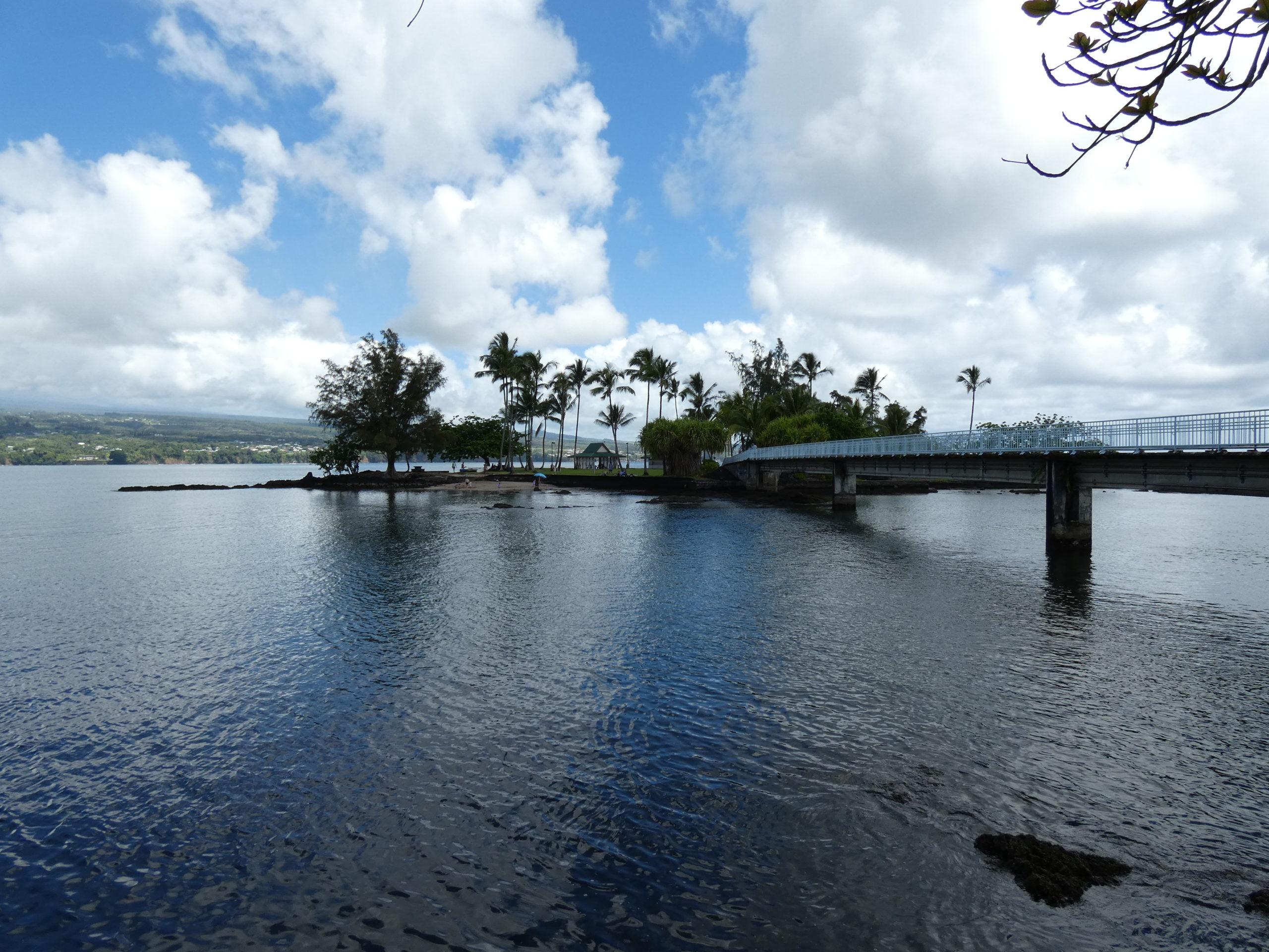Le pont et l'île